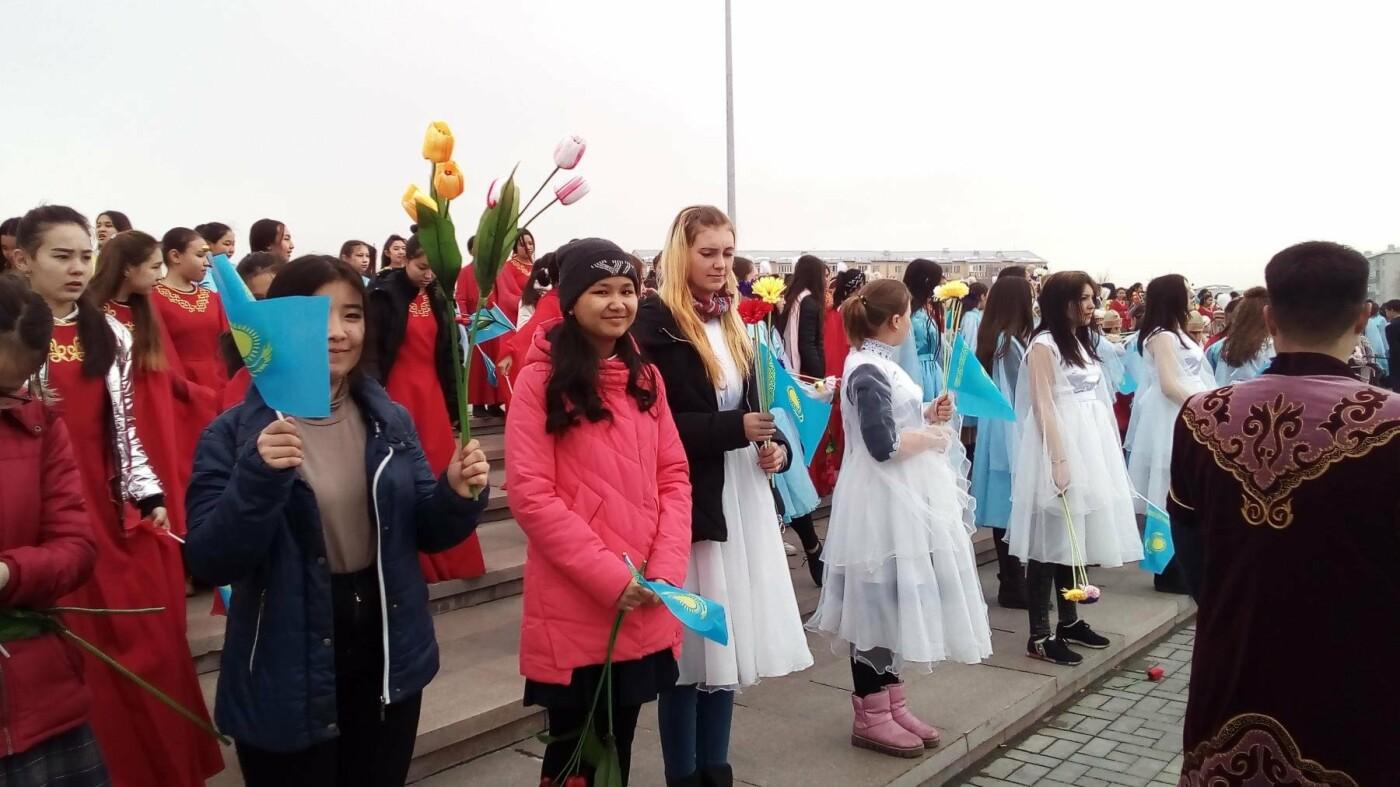 Сегодня проходит флешмоб на площади Жастар - подготовка к празднику Наурыз, фото-3