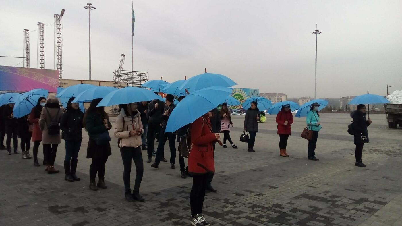 Сегодня проходит флешмоб на площади Жастар - подготовка к празднику Наурыз, фото-1