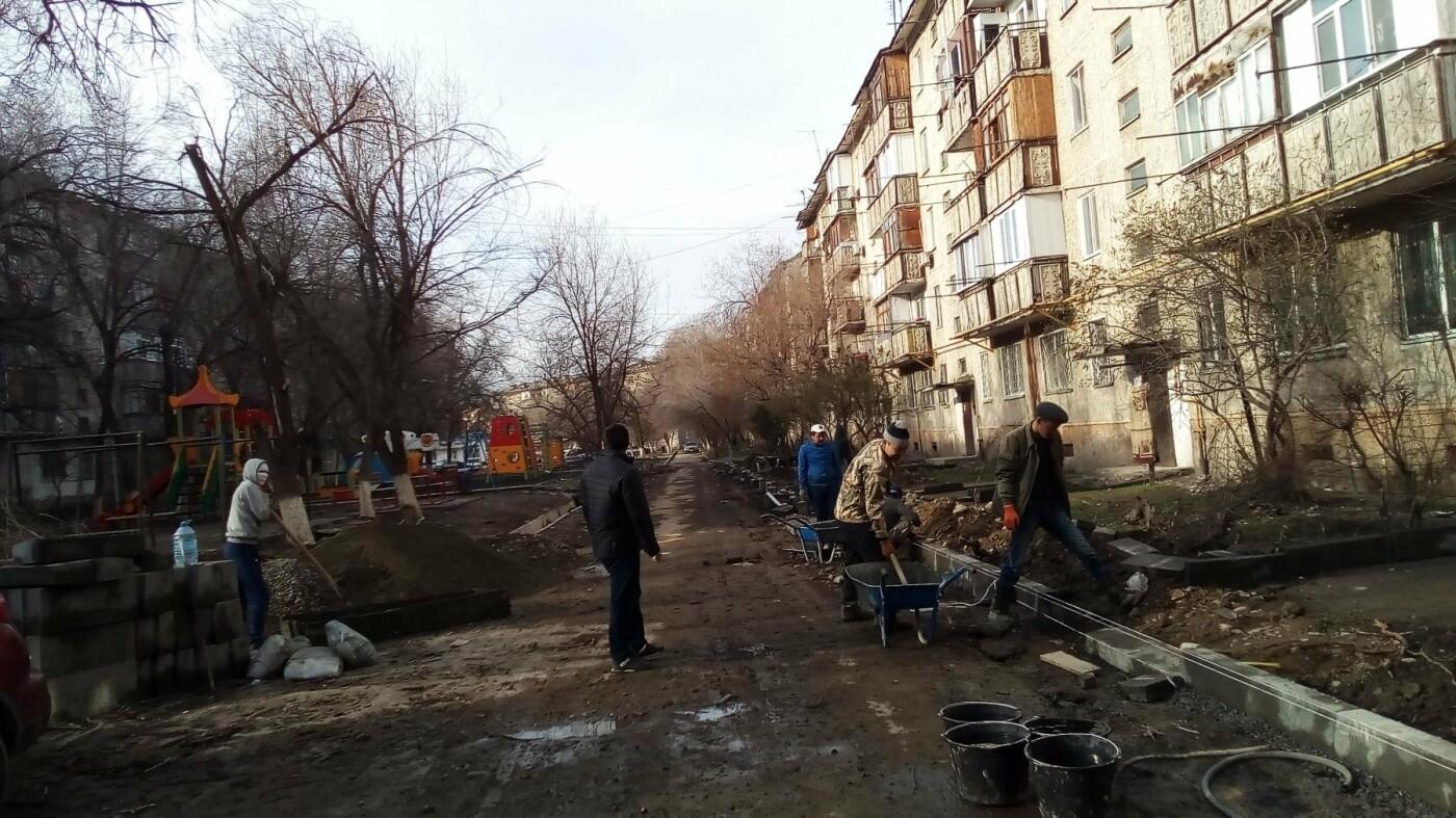 """В Талдыкоргане - микрорайон """"Самал"""" идут работы по благоустройству, фото-1"""