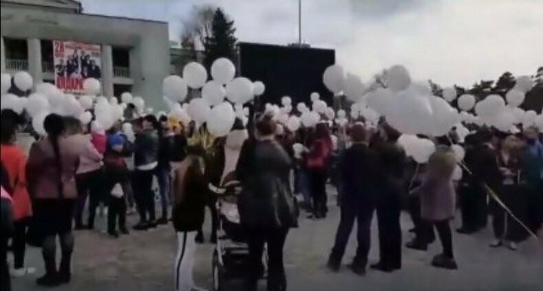 Акция в поддержку жертв пожара ТЦ в Кемерово прошла в городах Алматинской области, фото-3