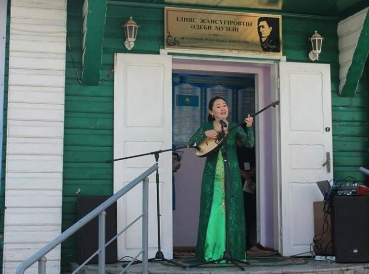 Выставка достижений поэта Мұқағали Мақатаева порадовала талдыкорганцев, фото-3