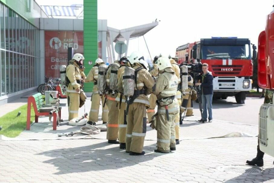 Резонанс на пожар в Кемерово: пожарные края Жетысу провели учения в ТРЦ «Молл Апорт», фото-3