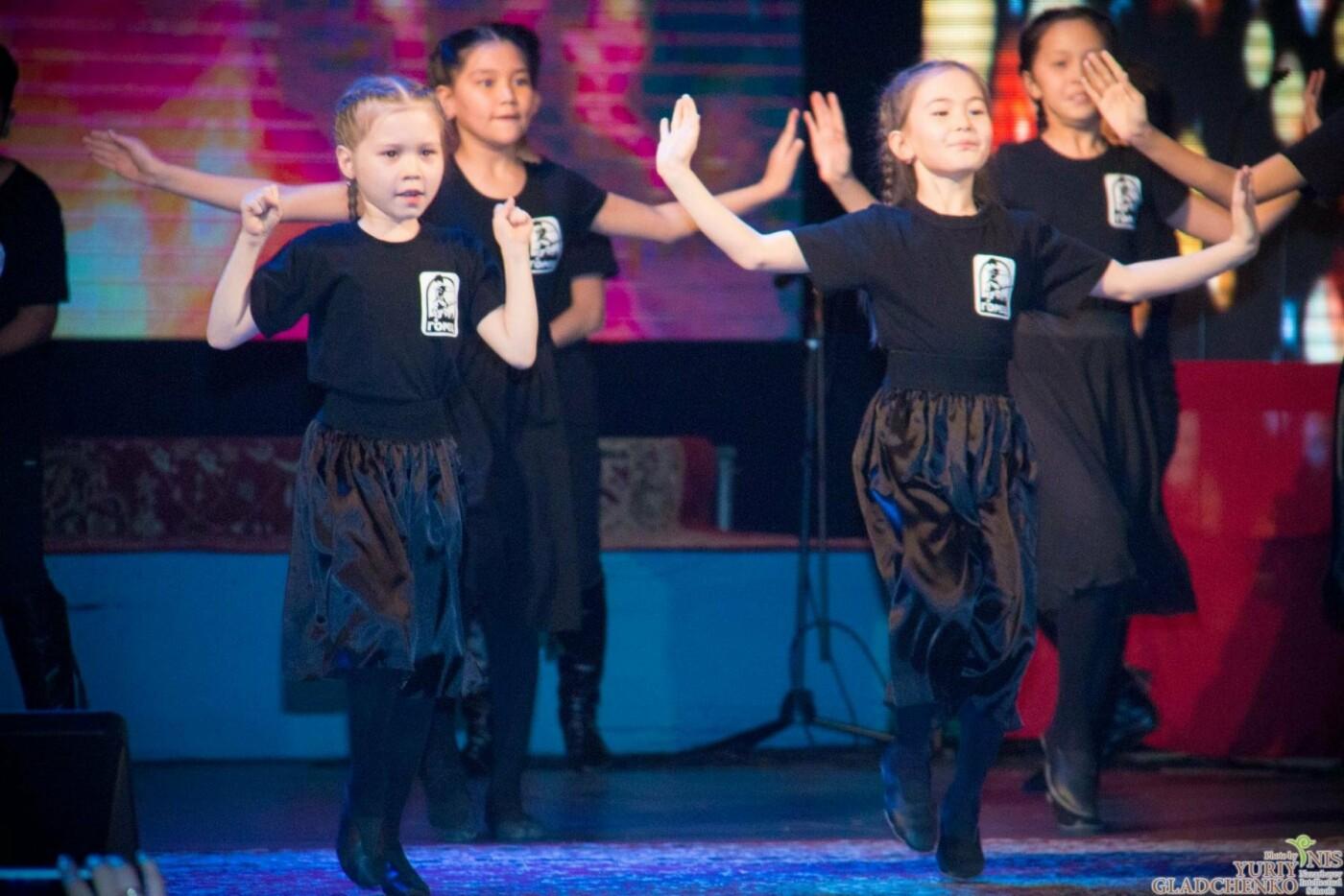 Подростки из талдыкорганской НИШ участвовали в благотворительном концерте, фото-1