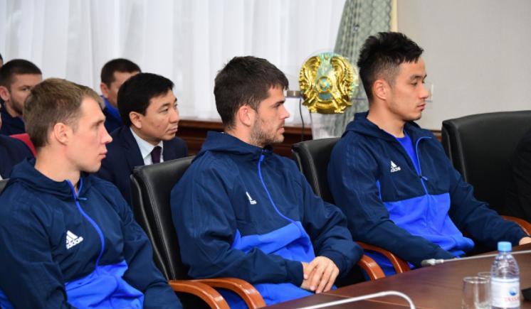 Амандык Баталов встретился с футболистами  «Жетысу», фото-1
