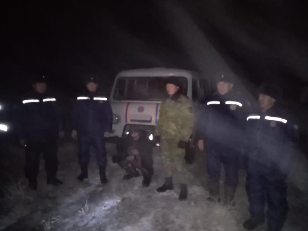 Заблудившегося в тумане пастуха и его скот спасли в Алматинской области, фото-1